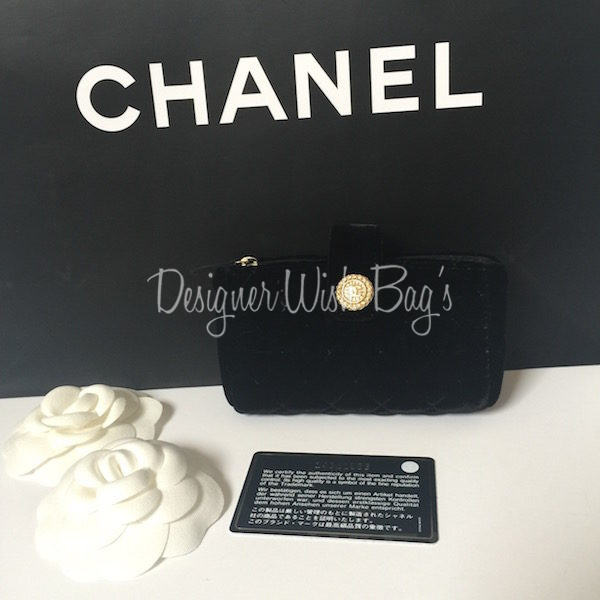 0770069e6968 Mini Chanel Pochette in Black Velvet. IMG 7701