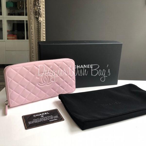 99a7899adabf Chanel Zippy Wallet Light Pink -