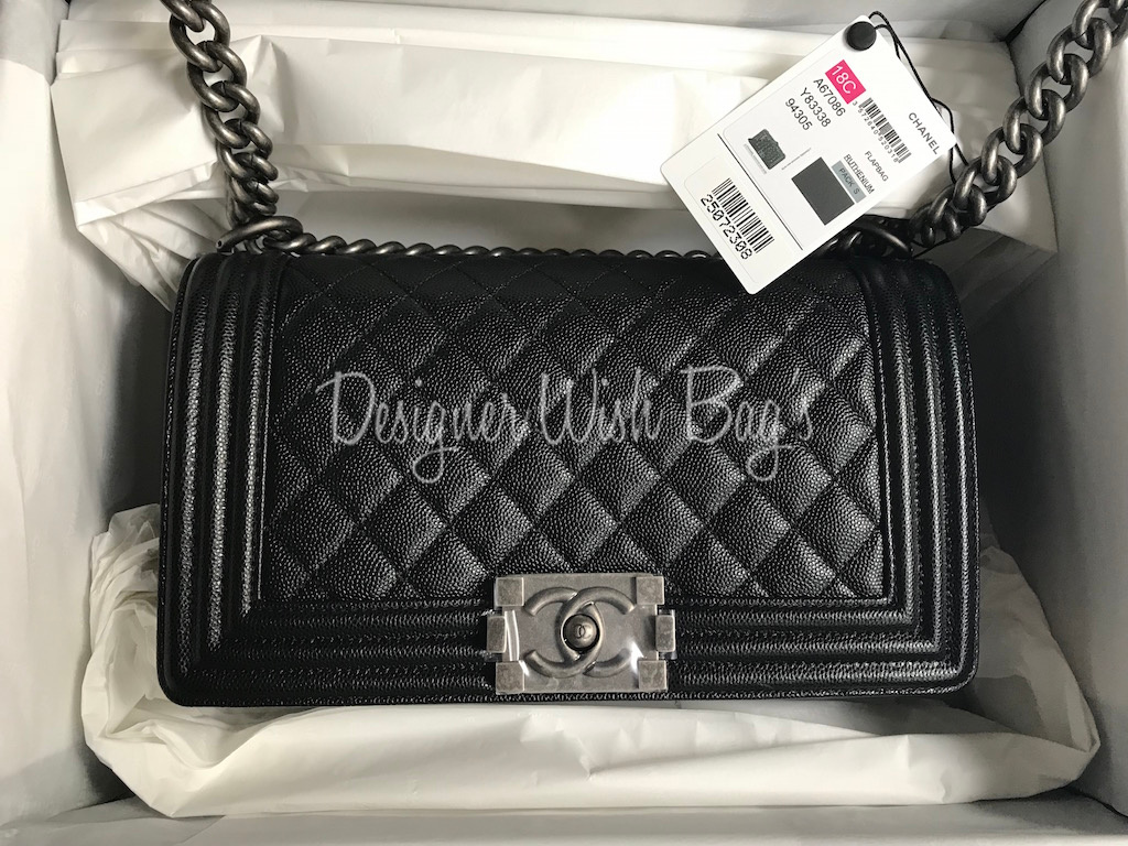 43cabe64b454e5 Chanel Boy Medium Caviar RHW Brand New 25 Series -