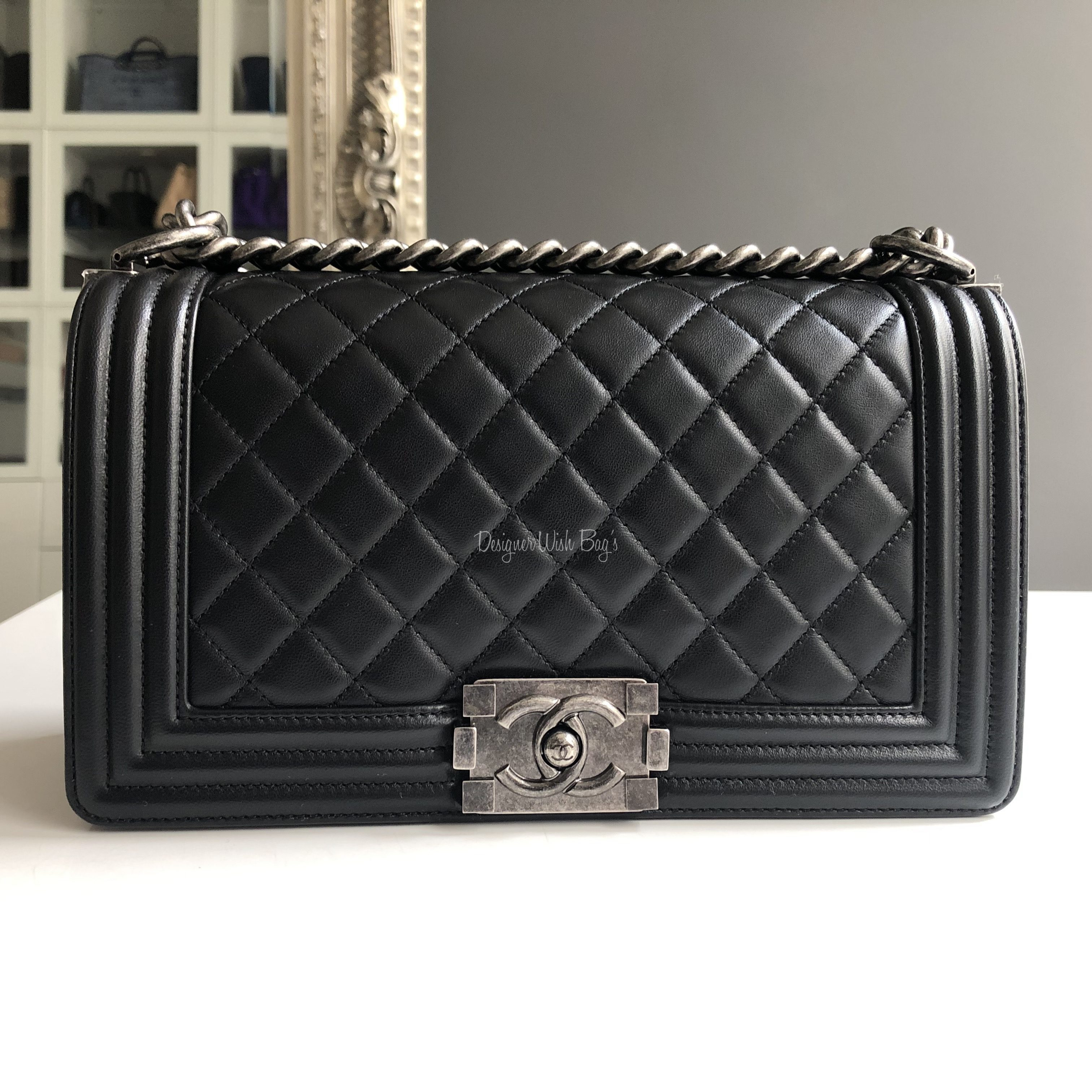 e15bad0467af Chanel Boy Black Old Medium -